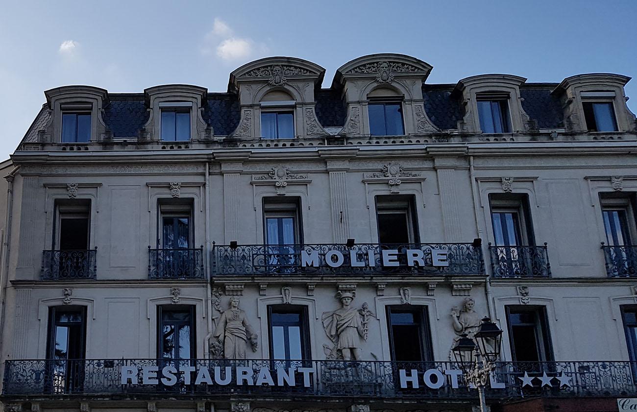 Façade Hôtel Molière Pezenas